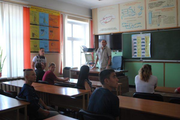 Гості з інтернату. Новокаховський професійний електротехнічний ліцей